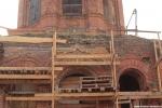 Восставливаем кирпичную кладку, оконные проёмы и декоративные элементы